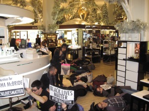 saks fifth ave die in